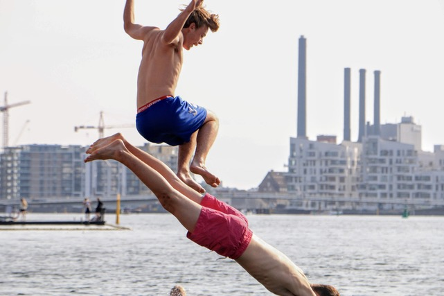 Life in the harbor: Indy frame chose this picture because of its special energy and youthful playfulness which is in contrast with the background depicting the pulse of thecity and the harbor. (Photo byNiels Jakob Kyhl Jørgensen)