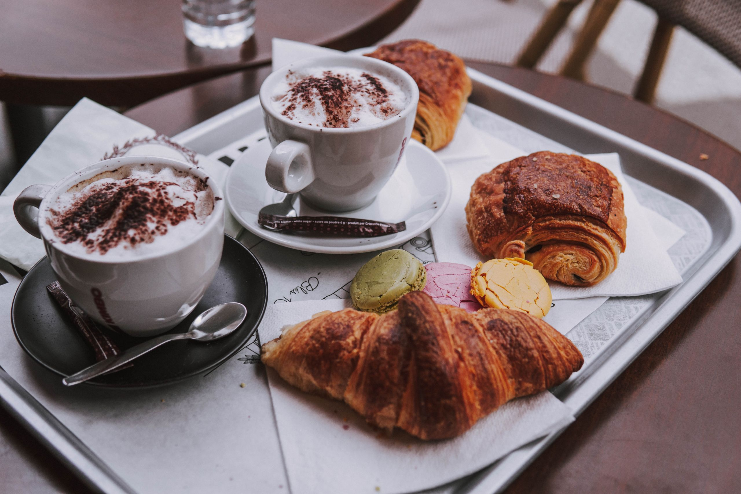 coffe and croissantes