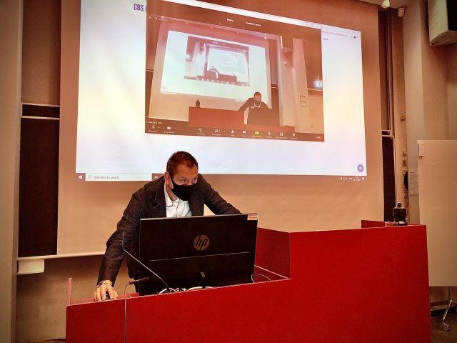 Teacher hosting a live-stream class