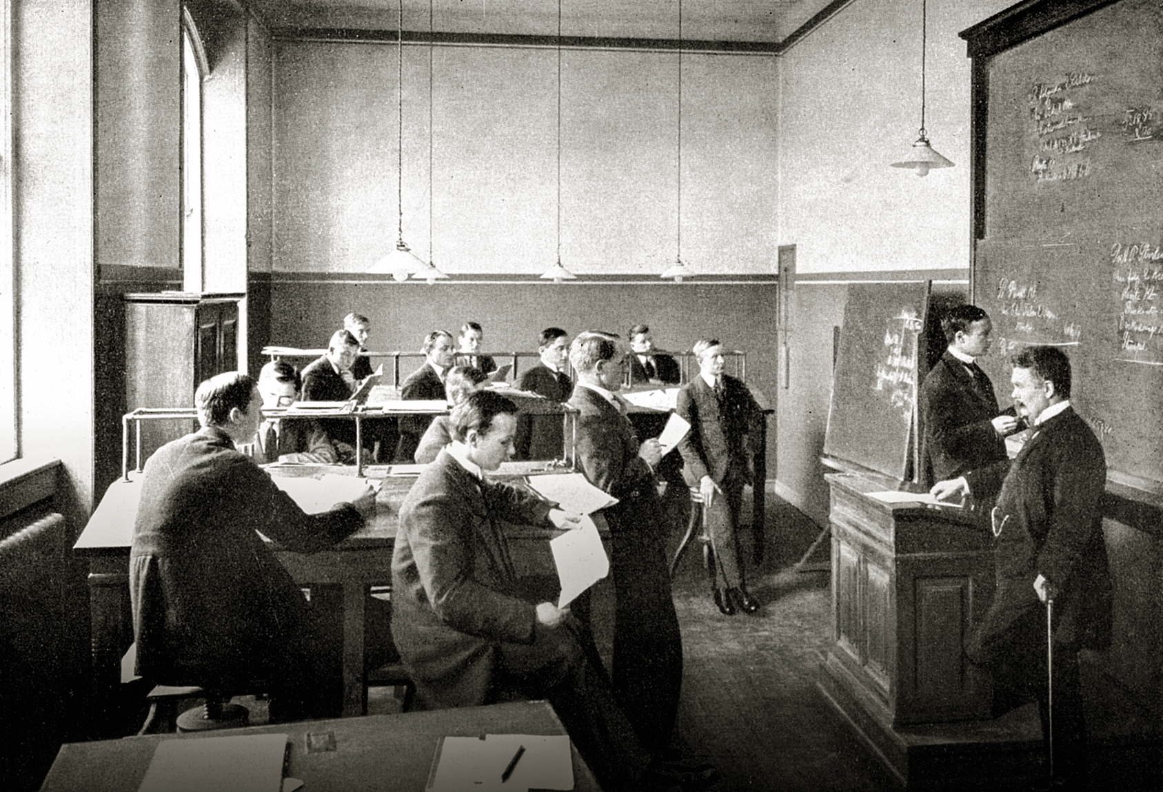 Accountants' class back in 1920s