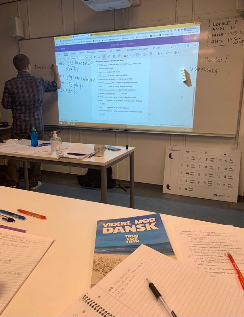 Teacher in a class at CBS