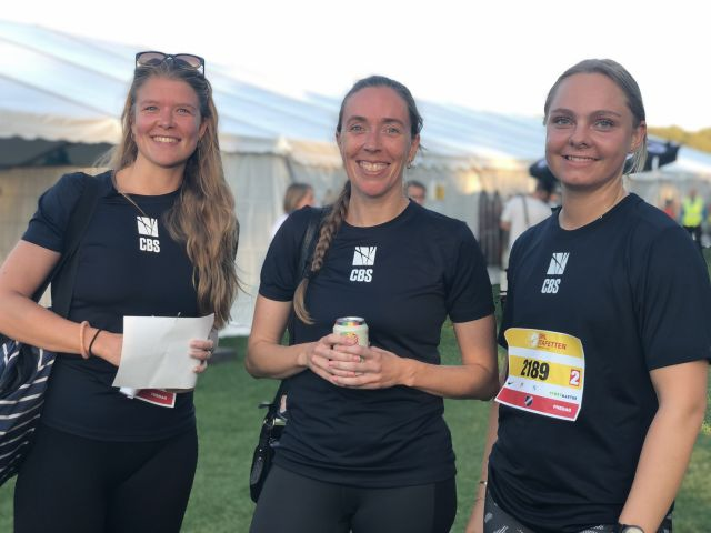 Three female runners